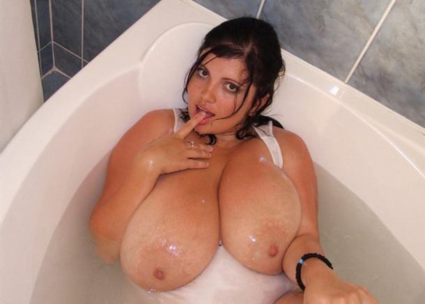 alicia loren in the bath tub